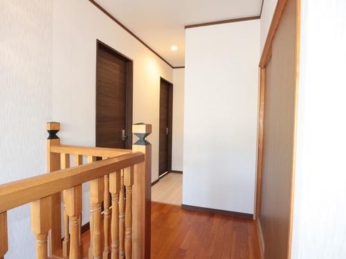 2階廊下から部屋アフター1.JPG