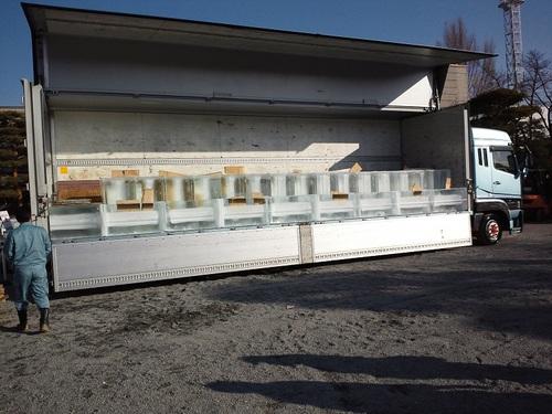 大型トラック氷1.jpg